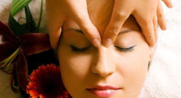 Masaje hindu de cabeza